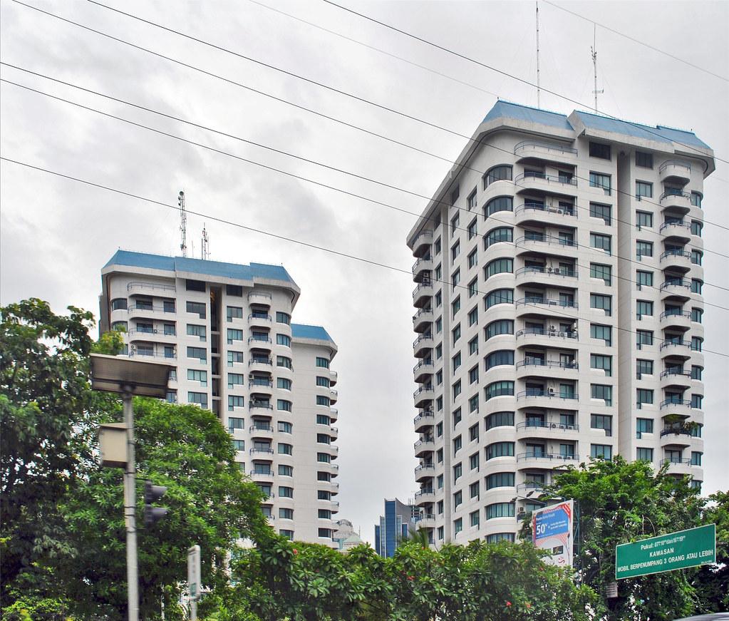Apartemen Park Royal