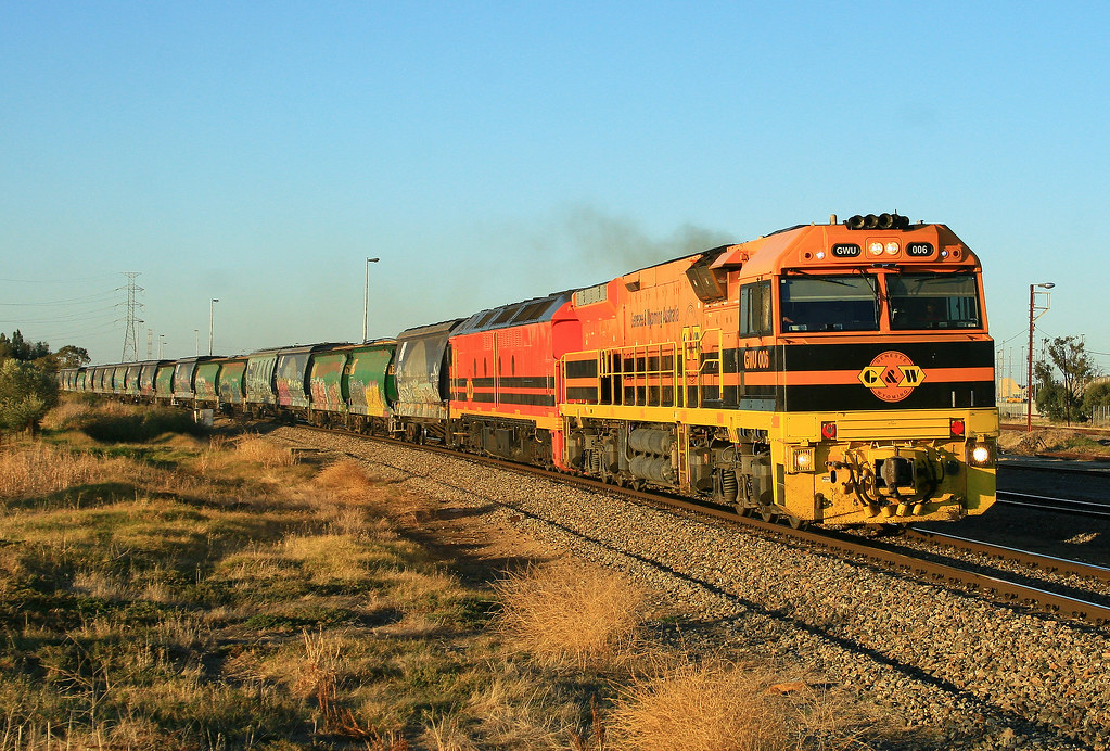 5114S Loaded Grain from Gladstone GWU004 & ALF21 Dry Creek by Trackside Photography Australia