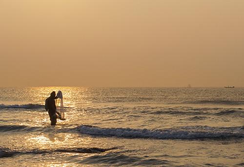 ocean morning sea india sunrise golden boat fishing fisherman horizon earlymorning andhra vizag fishingnet bayofbengal andhrapradesh vishakhapatnam