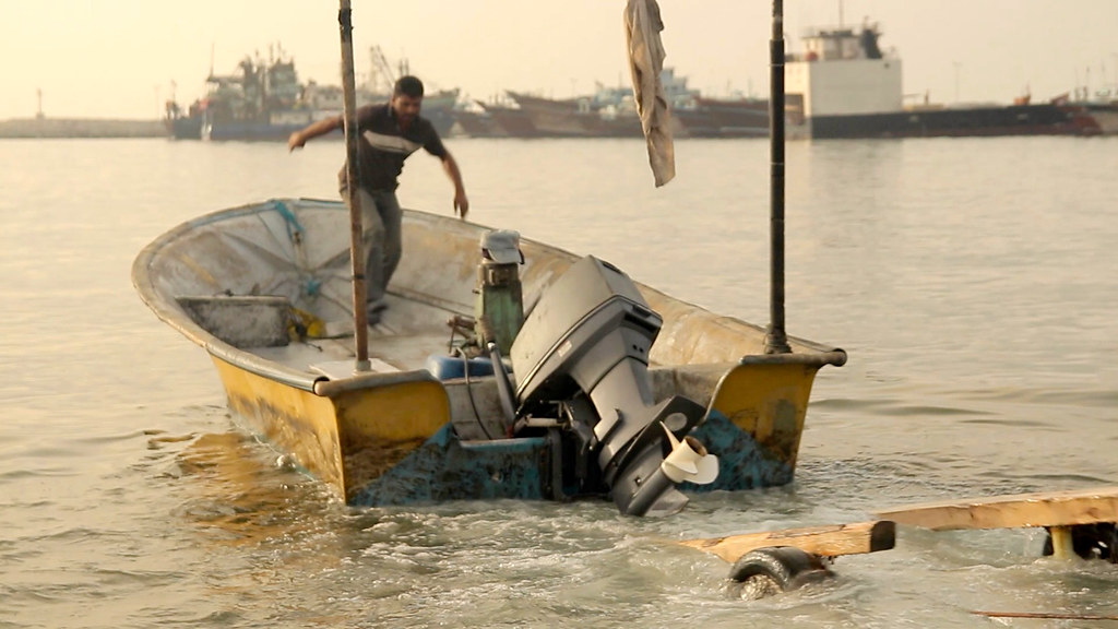Boat Ramp • Fishermen Launching Freestyle • Bandar Abbas • IRAN-11