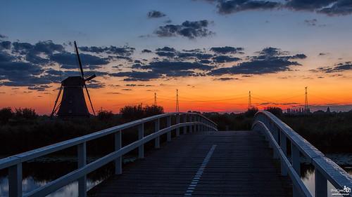 bridge cloud holland netherlands windmill clouds sunrise canon widescreen nederland wolken powerlines nl brug 169 kinderdijk silhouet windmolen zuidholland alblasserdam southholland zonsopkomst canonef24105mm silhoeutte bracom canoneos5dmkiii bramvanbroekhoven