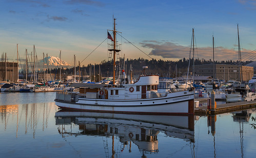 sunset boats waterfront wa tacoma mtrainier towboat