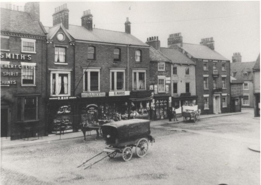 Sow Hill, Market Place, Beverley, 1912 (archive ref PH-4-8)