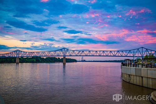 sunset usa downtown waterfront kentucky riverfront ohioriver owensboro bluebridge glovercary