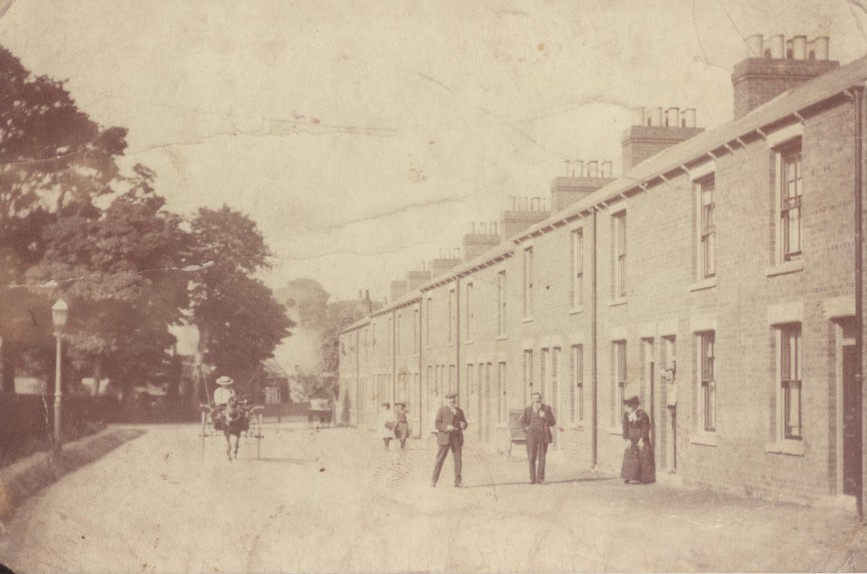 Queensgate, Beverley, 1900 (archive ref DDX1525-1-8)