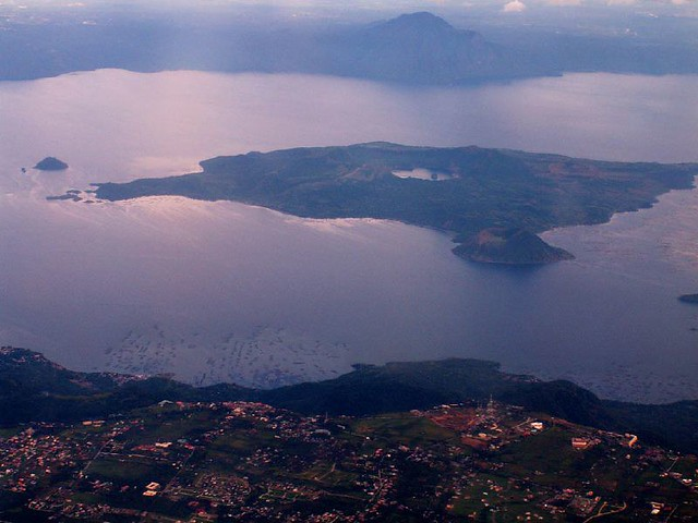 Tagaytay, Taal Lake and Volcano Island