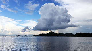 Monster Cloud on Loktak Lake | by noshtradamus