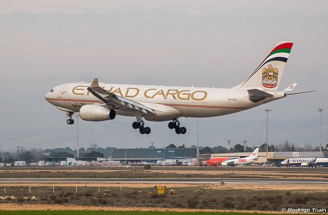 ETIHAD.  Airbus A330-243F. A6-DCA