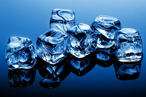 ice-4368x2912-cubes-blue-frozen-water-background-260 | by johnvoo_photographer