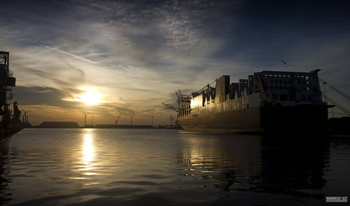 reflections ships sunsets acl vessels atlanticstar seaforthdocks atlanticcontainerline conro seaforthcontainerterminal peelports