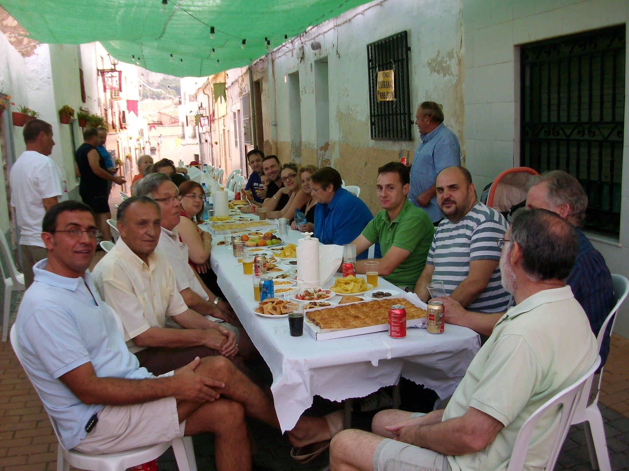 (2011-07-03) Almuerzo calle Cristo - José Vicente Romero Ripoll (02)