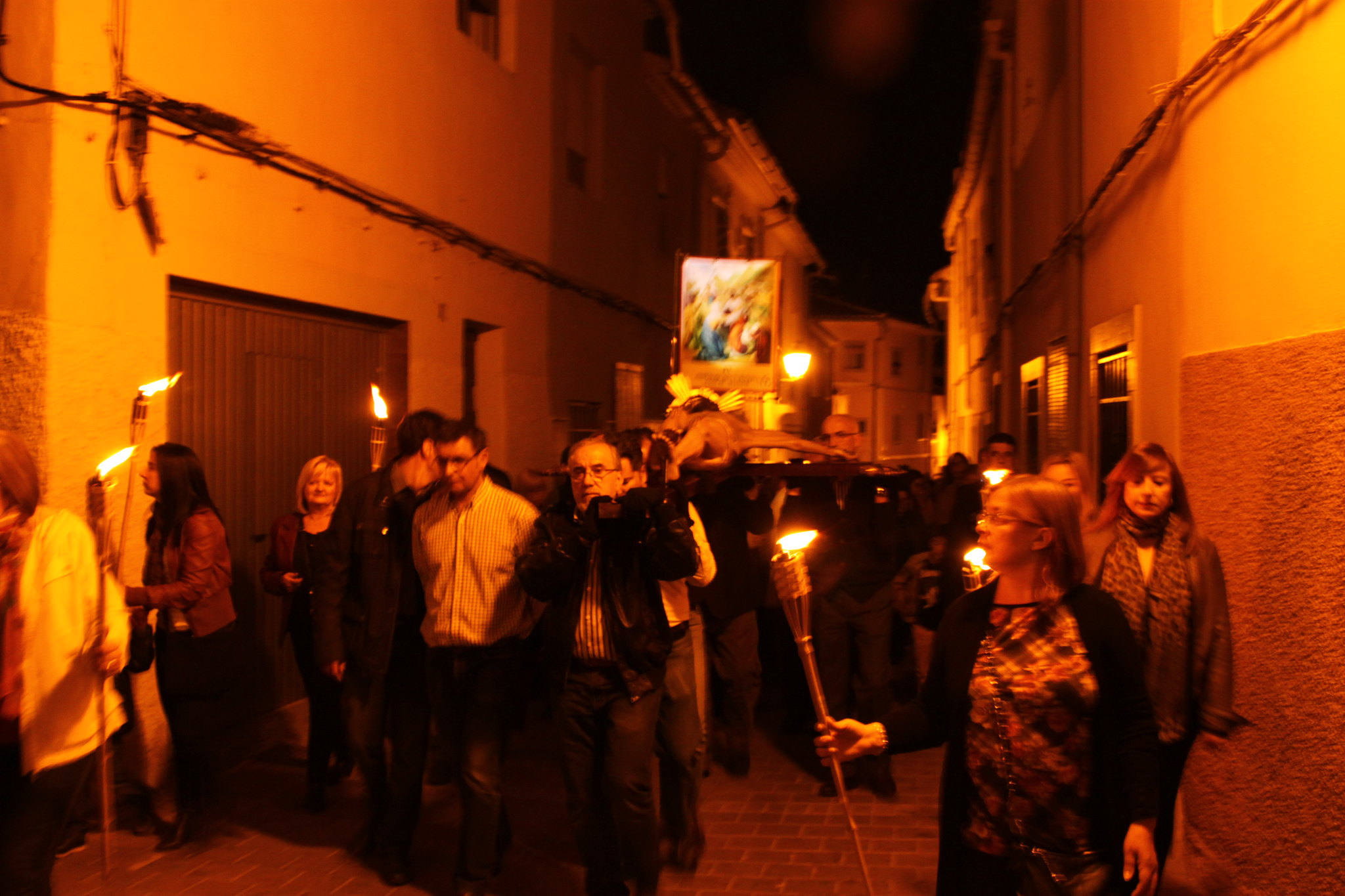 (2014-04-01) -  V Vía Crucis nocturno - Javier Romero Ripoll (25)