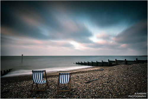 blue red sea england white beach water canon lens eos kent sand chair long exposure waves britain stones south sigma east deck bubble 1020mm whitstable pepple 70d