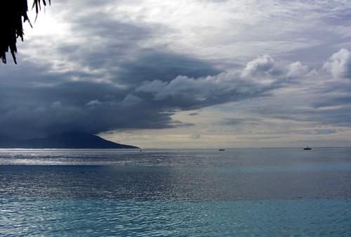 boat island tahiti atoll sunset beach polynesia ポリネシア モーレア ソシエテ諸島 francehpolynesia タヒチ society frenchpolynesia societyislands フレンチポリネシア moorea 珊瑚礁