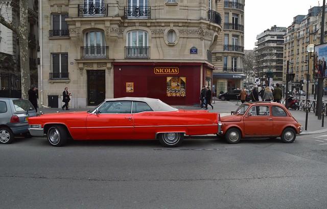 1972 Fiat 500 L MI R44902 (I) & 1969 Cadillac DeVille Cabriolet 69 AFE 78 - 24 mars 2016 (Avenue de Suffren - Paris)
