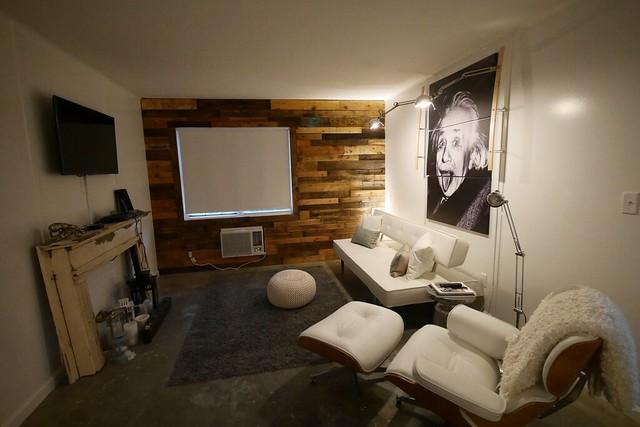 土, 2016-03-19 19:00 - airbnb