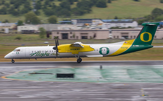 N407QX Alaska Horizon Dash 8-400 University of Oregon | by Tim Crippin