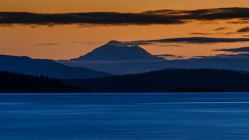 ocean morning winter sea sky orange sunrise dawn mt baker bc pacific central victoria mount peninsula strait wintersunrise saanich haro islandviewbeach