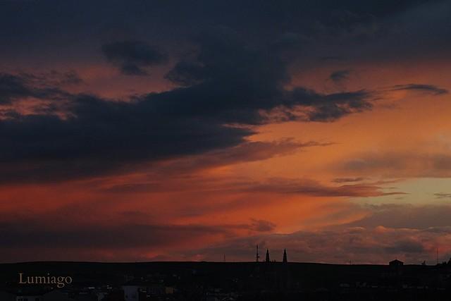 Bonito anochecer en Burgos