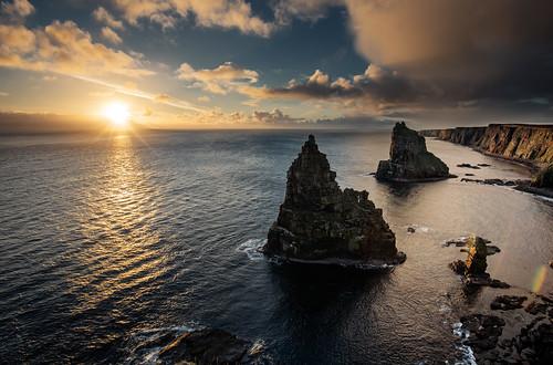 duncansbystacks duncansbyhead johnogroats scotland rockstack rocks landscape waterscape waterfront water seaside seascape sunrise sunriseoverwater clouds grantmorris grantmorrisphotography canon 5d3 1635