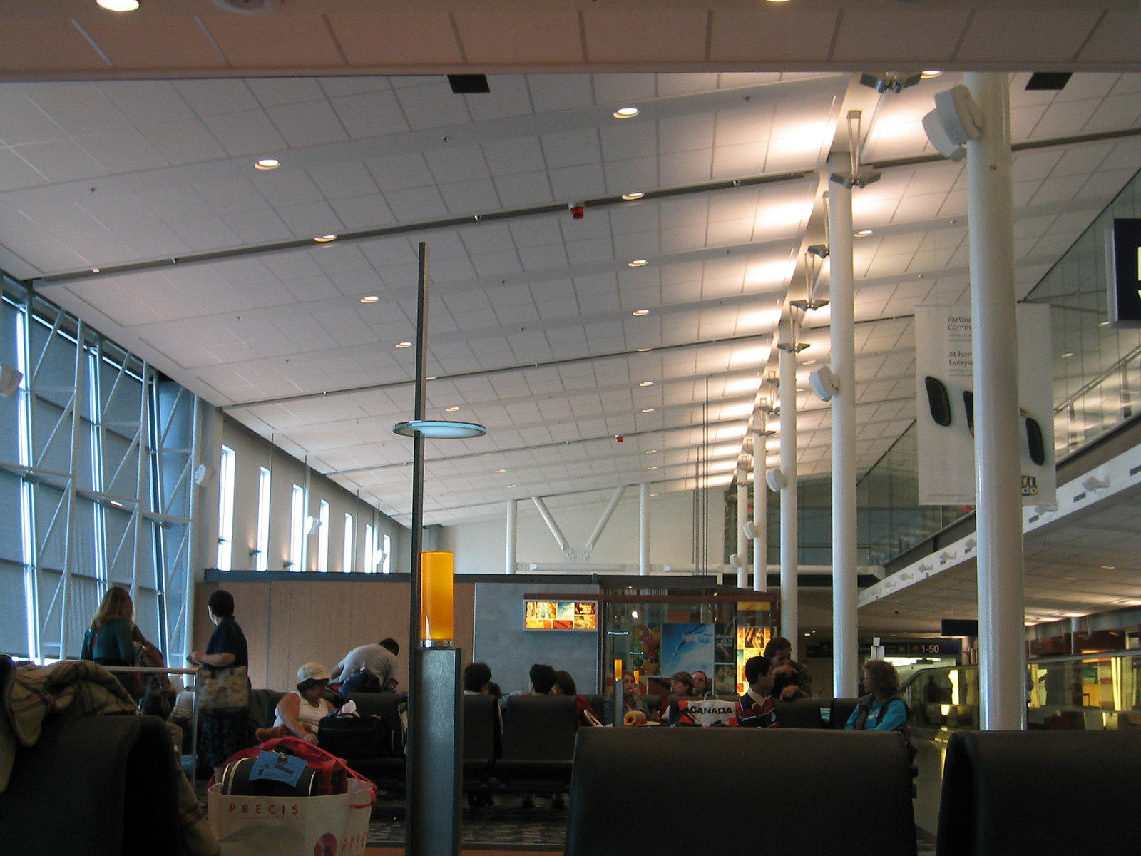airport montreal 01