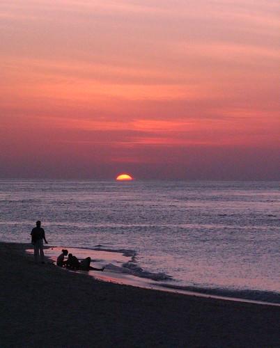ocean sunset sun beach clouds geotagged waves indianocean maldives filitheyo filitheyoislandresort geo:lat=3212835 geo:lon=73033655