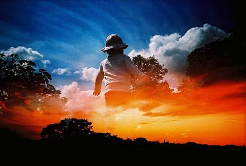 lomo lomography lca analogue expiredfilm lofi kodakelitechrome ebx xpro xprocess crossprocess doubleexposure multipleexposure mxbutton bluesky child clouds sunset incamera