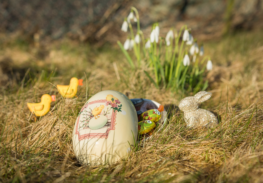 Bringing Easter Outside Some Of My New Easter Decorations Flickr