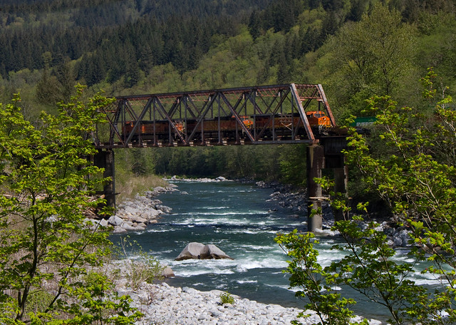 BNSF 7328 crosses the Skykomish River near Big Bend WA