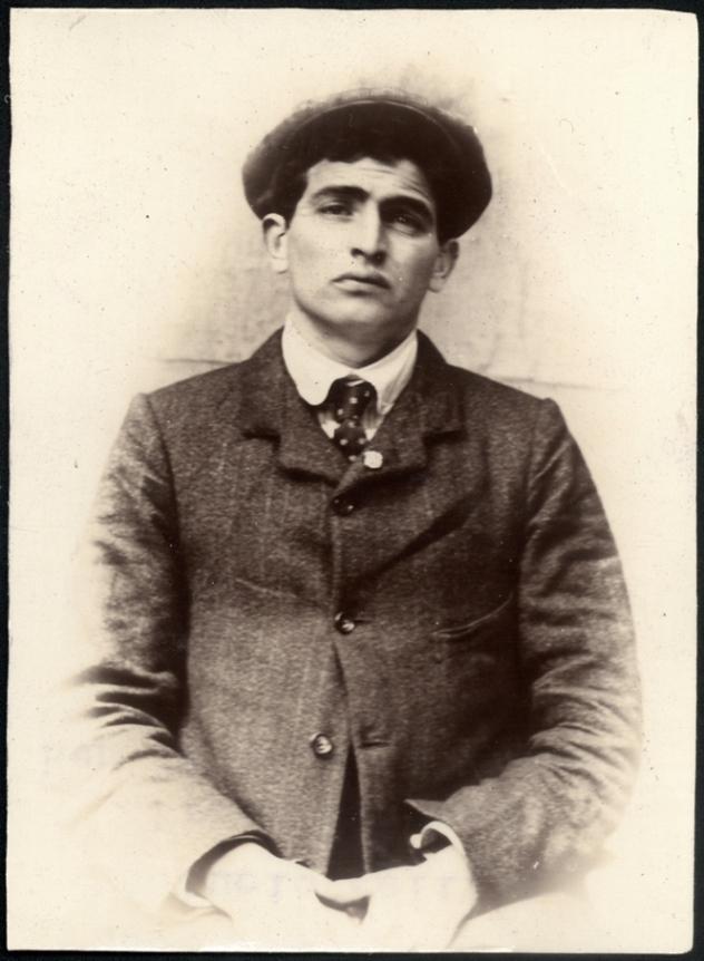 Lucio Pelliza, Italian waiter, arrested for theft