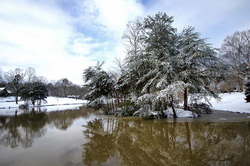 winter lake snow reflections landscape northcarolina winterstorm gastonia dorameulman