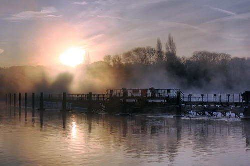 england mist thames sunrise marlow weir