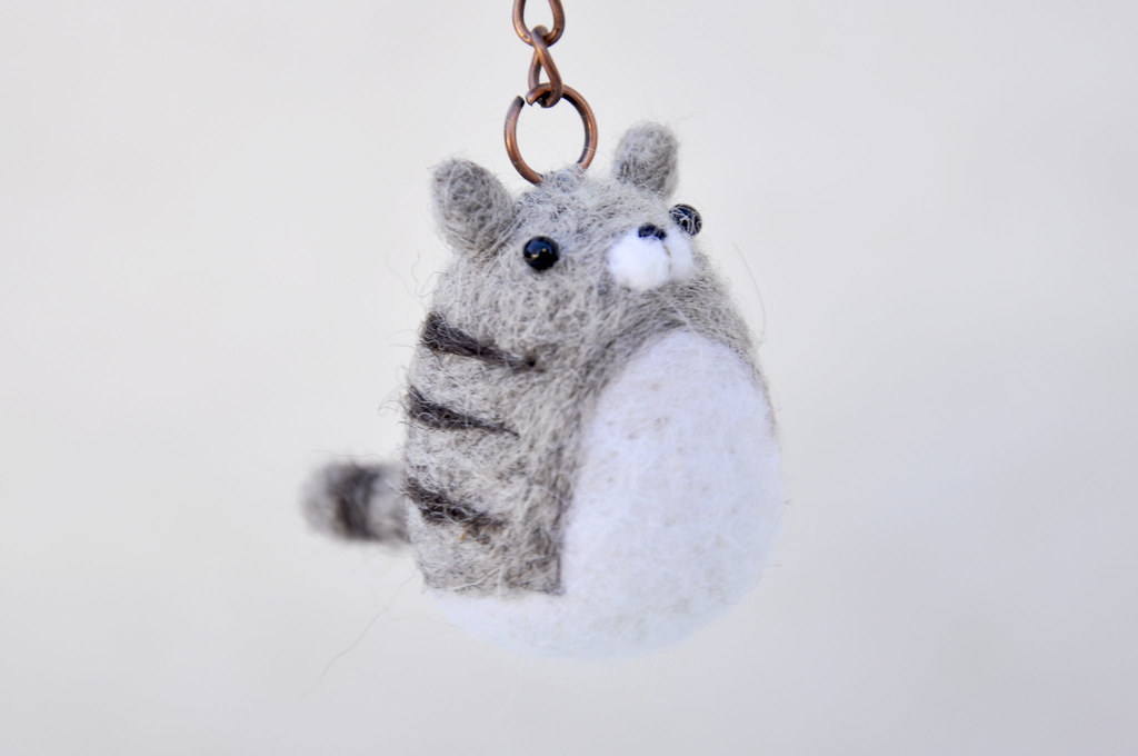 Ravelry: Silhouette Cat Keychain pattern by Marie Lize   680x1024