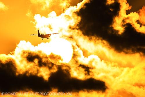sunset aviation caribbean sxm twinotter saintmaarten winair avgeek