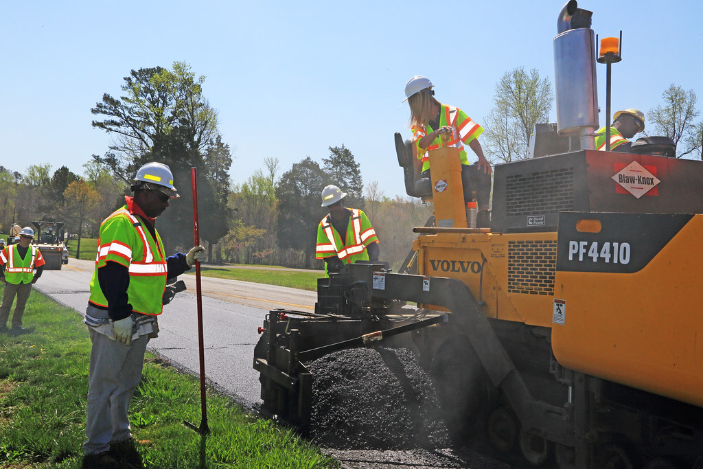 _C5A6654_RTS   VDOT and Lee Hy Paving were joined by Nikki