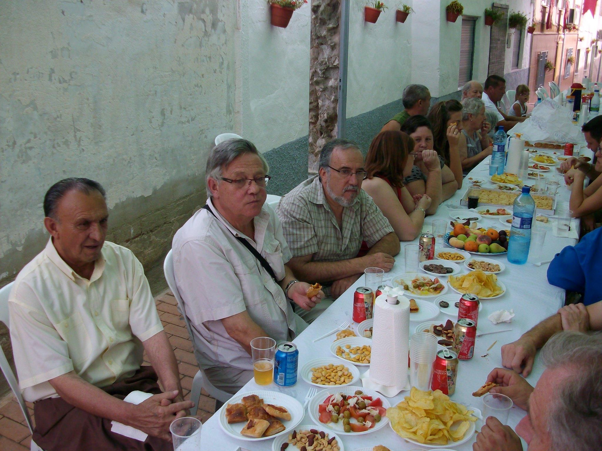 (2011-07-03) Almuerzo calle Cristo - José Vicente Romero Ripoll (06)
