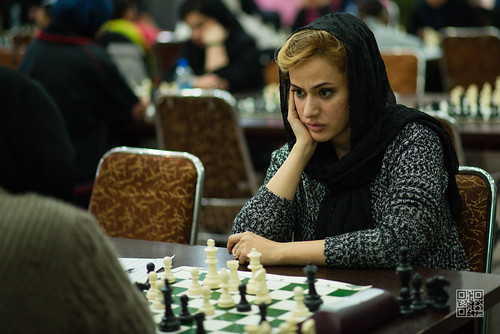Woman plays chess in Iran | by karpidis