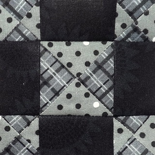 365Challenge_43_DesignInGeometrics | by Grey Cat Quilts