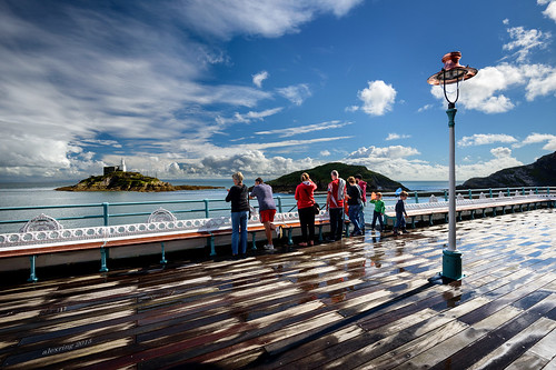 uk family sea lighthouse sunshine swansea wales clouds bench children pier nikon lamppost d750 mumbles alexring