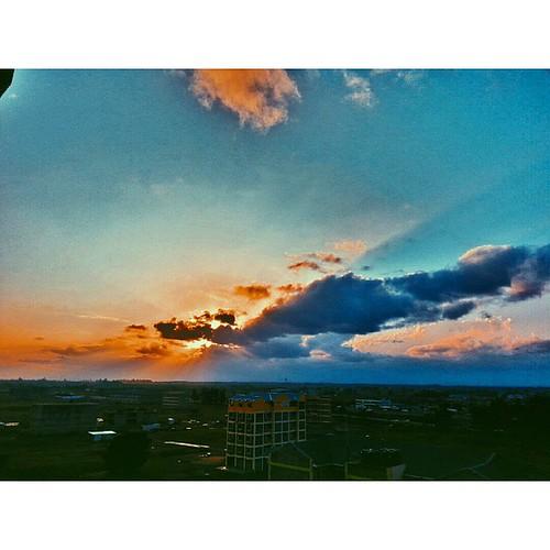 sunset vscocam uploaded:by=flickstagram igkenya vscoke instagram:photo=884099747391793417227669921 instagram:venuename=cravers instagram:venue=530250430