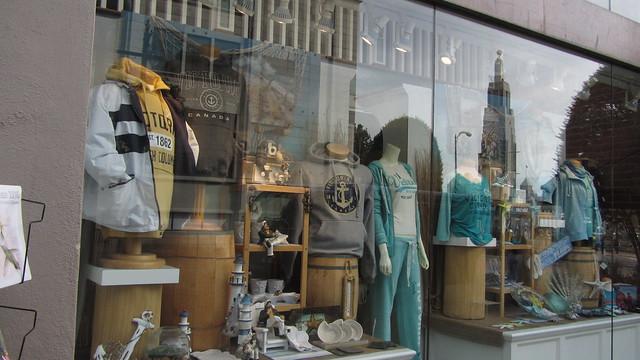 IMG_6218 Victoria BC tourist shop