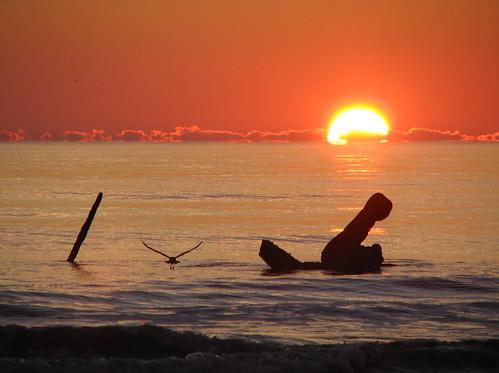 beach sunrise top20sunrisesunset northcarolina shipwreck outerbanks obx ih