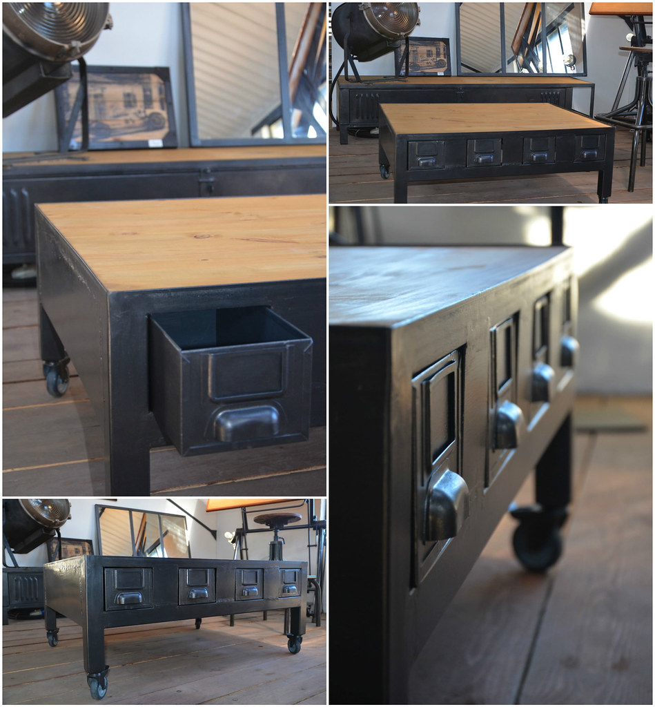 Industrial Coffee Table With Drawers / Table Basse Industrielle À Tiroirs