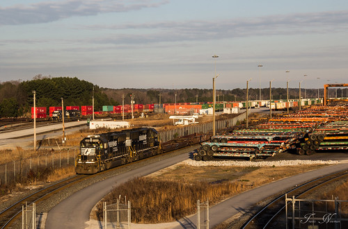 railroad yard train sunrise golden ns norfolk southern hour local freight emd intermodal g90 gp60