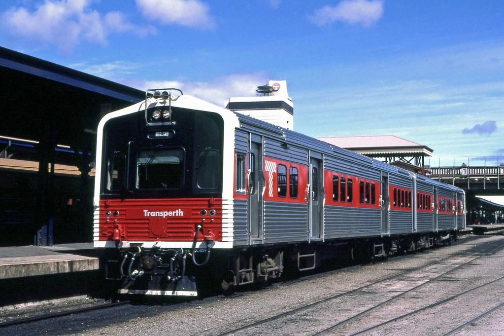 ADL809 ADC859 City station by 8888transportpix