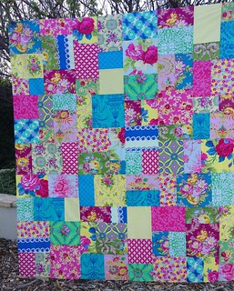 This customer wanted just a quilt top. She will quilt it herself. Love this happy Jennifer Paganelli group! 💗💚💙
