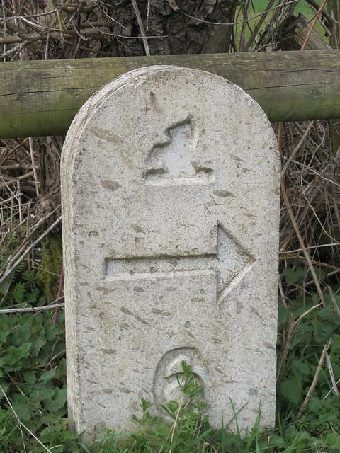 Mottisfont Estate Path Marker Stone 6 SWC Walk 58 Mottisfont and Dunbridge to Romsey taken by Karen C.