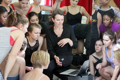 Fiona Lummis teaches Kylián's Symphony Of Psalms