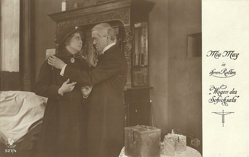 Mia May and Georg John in Wogen des Schicksals (1918)