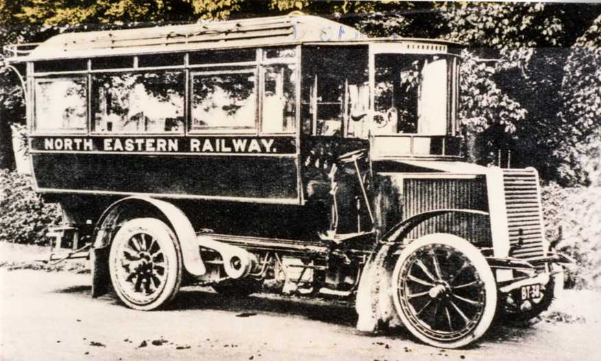 The Clarkson Steam Bus c.1900s (archive ref DDPD2-2-11)